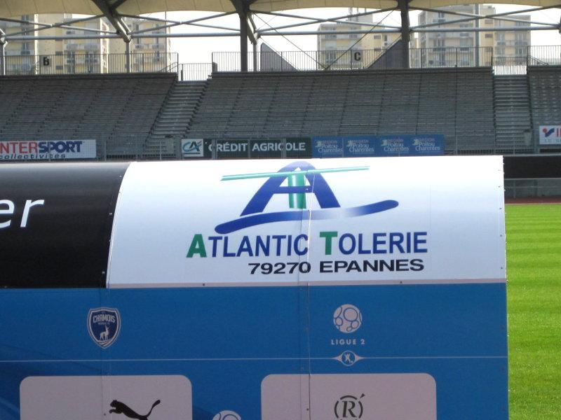 banc de touche galvanisé en structure tubulaire mécano-soudée - Atlantic Tolerie